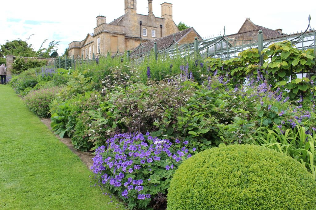 Jardins des cotswolds soci t nationale d 39 horticulture for Jardin anglais mixed border