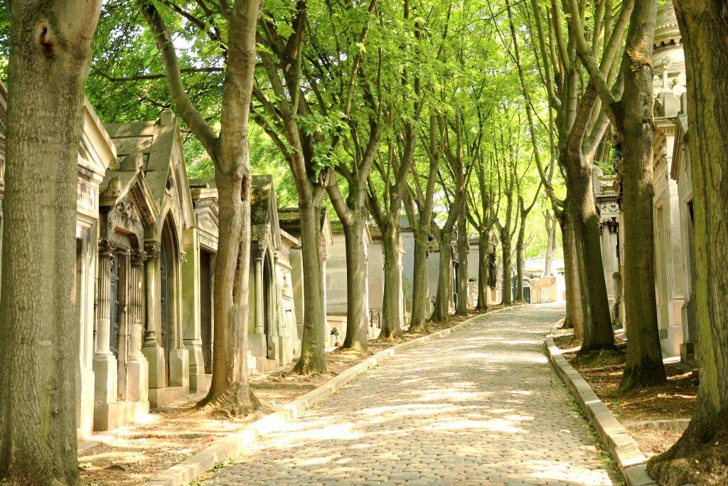 pere_lachaise_cemetery_03